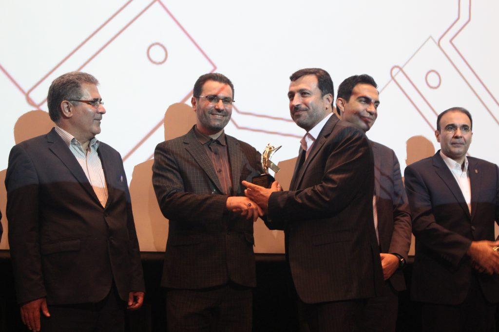 مدیر عامل شجره طیبه به عنوان برترین مدیر در حوزه سازمان مردم نهاد انتخاب شد.